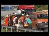 واژگون شدن اتوبوس با سی و پنج دانش آموز