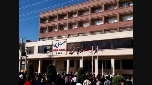 حمله آشوبگران به هتلی در مهاباد