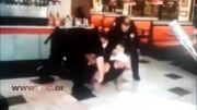 دعوا متهم و پلیس در رستوران