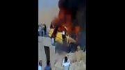 فیلم  غم انگیز سوختن زنده زنده ی 4 نفر در تاکسی سمند