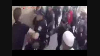 تعرض وحشیانه سربازان صهیونیستی به یک زن فلسطینی