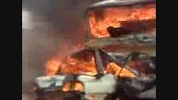 تصادف و منفجر شدن و سوختن سوار ی پراید و کامیون