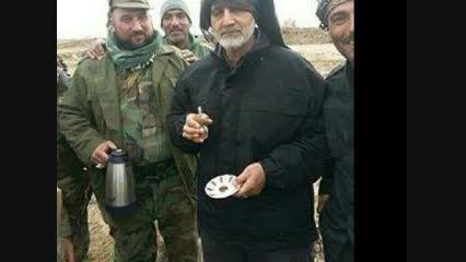 سردار سلیمانی در حال چای خوردن در تکریت عراق