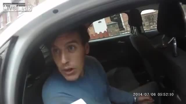 حوادث دزد و پلیس - زدن پلیس توسط سارق بازداشت شده