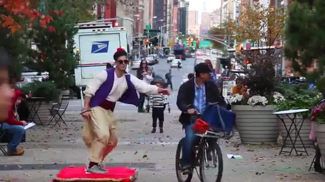 علاالدین با قالیچه پرنده در نیویورک