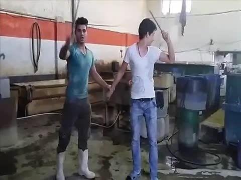 بسیار وحشت ناک ایران +18 سر شوخی :( گردن زدن