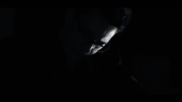 """تیزر اثر """"دلتنگ """"با صدای رضا بیجاری از آلبوم """"مهم نیست"""""""