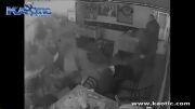 لحظه درگیری مرگبار در کافه !!