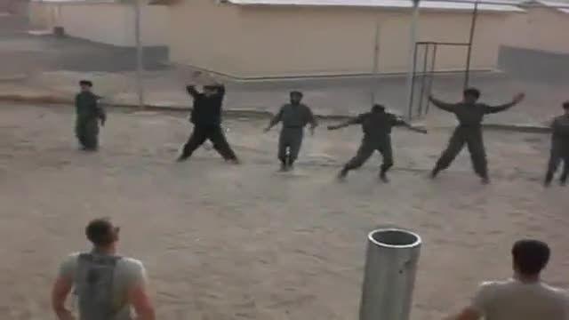 سربازان آمریکایی در حال آموزش سربازان افغانی
