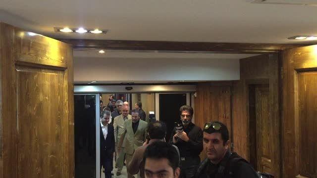 لحظه ورود وزرای ICT ایران و روسیه به محل مذاکره