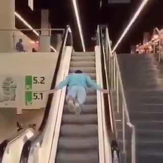 روش جدید استفاده از پله برقی