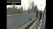 خودکشی دلخراش دختر از روی پل.شوک