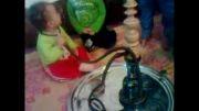 قلیان کشیدن کودک