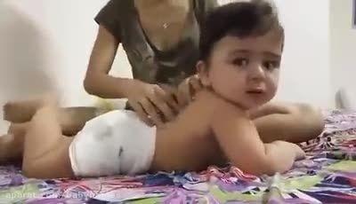 کلیپ ماساژ کودک بسیار جذاب و ماساژ کودکانه