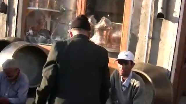 گشتزنی هموطنی در بازار میوه و سبزی و صحبت با مردم تبریز