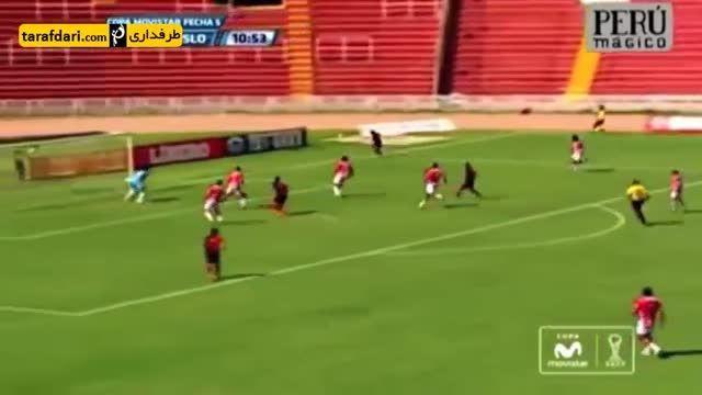 اشتباه عجیب داور خط در مردود اعلام کردن گل در لیگ پرو