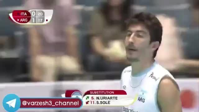 برخورد شدید بازیکن آرژانتین با داور خط خانم