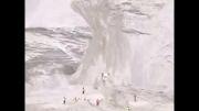 بالا رفتن جیب از کوه یخ