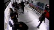 کلیپ هولناک از حادثه دلخراش برای کیف قاپ !