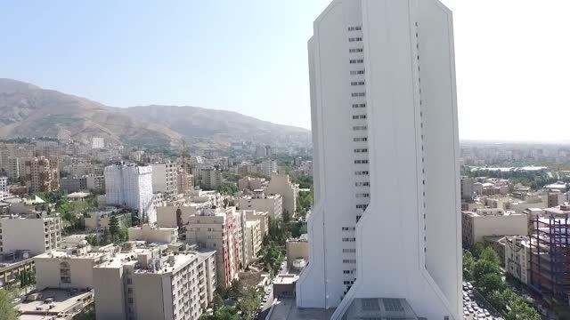 تصویر برداری هوایی از برج آسمان - تهران - فرمانیه