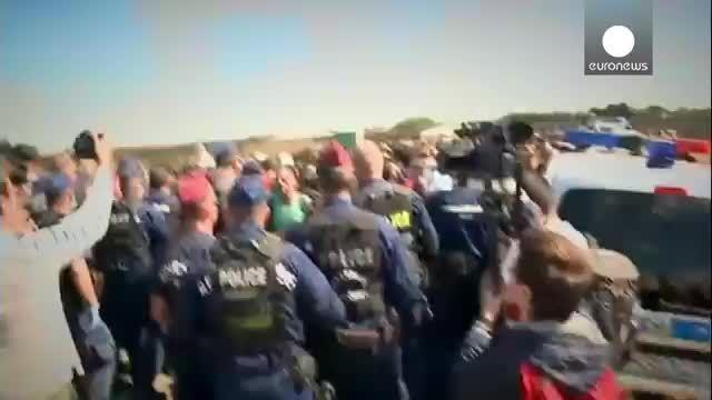 پناهجویان در مجارستان با پلیس این کشور درگیر شدند