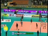 دست دادن والیبالیست های ایرانی با داور زن