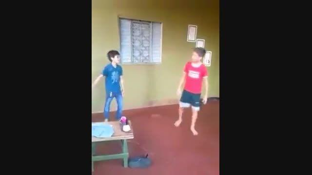 پسری كه داغون دوستش كر