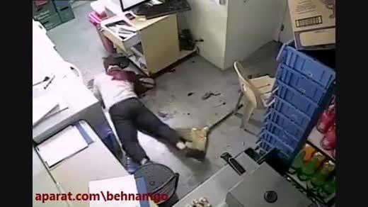 قتل فجیع با چاقو در سرقت وحشیانه +18