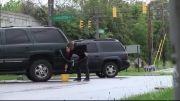 دزدیدن بنزین از ماشین های مردم
