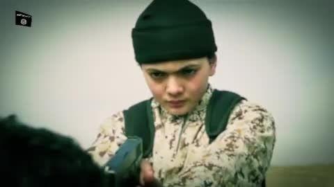 اعدام توسط جلاد نوجوان داعش