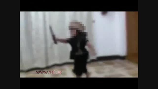اولین تجربه سربریدن کودک داعشی..الله اکبر