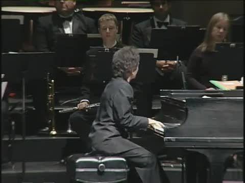 نوازندگی پیانو از شهرداد روحانی قطعه خوابهای طلایی