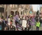 اعتصاب عمومی درانگلیس وضرب وشتم مردم توسط پلیس