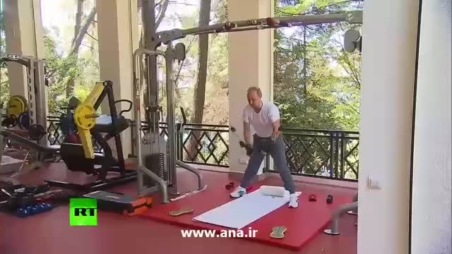 تمرین پوتین و مدودوف در باشگاه بدنسازی