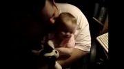 بچه رو عشقه با حرفش