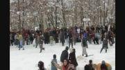 ویدئو/ حمله با گلوله های برفی، شادی یک روز سرد زمستانی