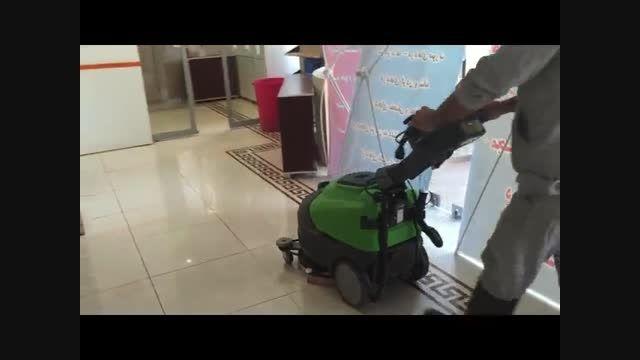 با کارایی ترین اسکرابر صنعتی برای شستشوی کف بیمارستان