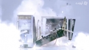 این آگهی با سرعت ۴۰۰۰ فریم در ثانیه فیلمبرداری شده است