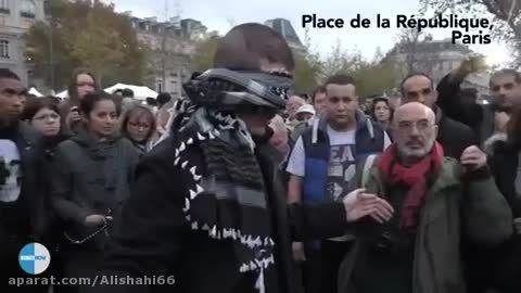 حرکت جالب یک مسلمان در تجمع اعتراض آمیز در فرانسه