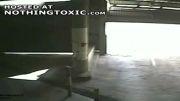 برخورد موتور سوار با در پارکینگ