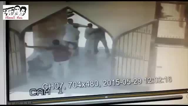 لحظه شهادت جوانان شیعه و در آغوش گرفتن انتحاری عربستانی