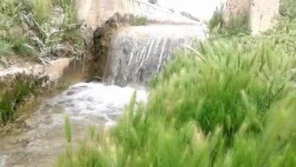 آب روان ، زیبا و دوست داشتنی (شهرستان نی ریز 25فروردین)
