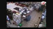 سرقت عجیب از یک مغازه