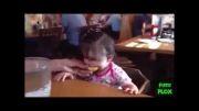 عکس العمل کودک به خوردن  لیمو ترش