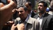 احمدی نژاد در کنار مردم
