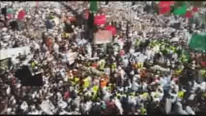 قدرت نمایی ده ها هزار نفری شیعیان عربستان