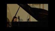 پیانو نوازی زیبای امیلی بیر