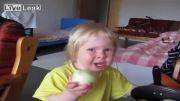 بچه مرد از پیاز خوردن!حتما ببینید...