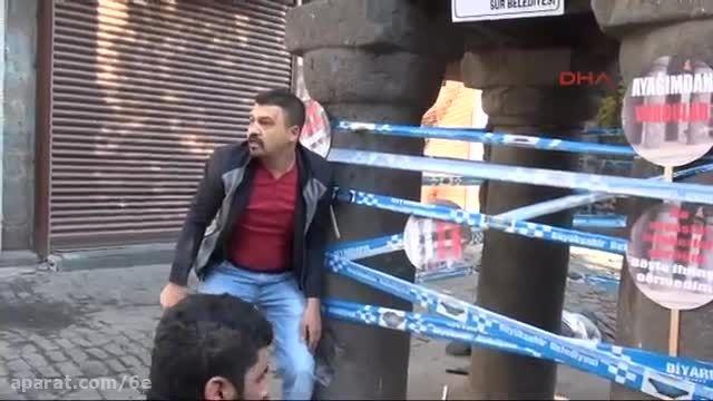 درگیری پلیس ترکیه و کشتن عضو PKK مقابل یک دادگاه