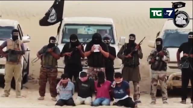 جنایات  داعش - اعدام (سر بریدن) 4 مصری به اتهام جاسوسی